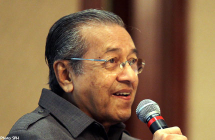 http://www.asiaone.com/A1MEDIA/news/04Apr12/20120419.162934_sph_mahathir.jpg