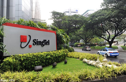 UPDATE 1-SingTel says no talks on selling stake in Telkomsel