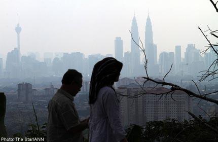 Indonesia smoke haze shrouds Malaysian cities - Kualar Lumpur