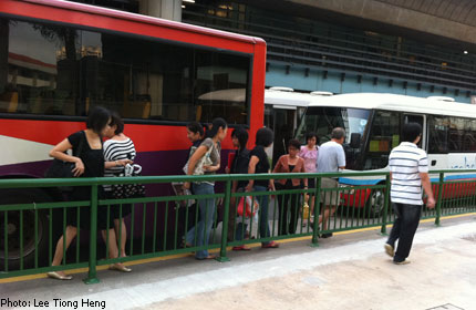 Barrier at Clementi Mall bus stop poses danger