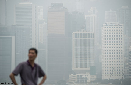 Record smog in Hong Kong worsened by Typhoon Saola