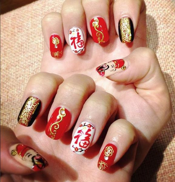 18 Pretty Red Manicures To Get You Inspired For Chinese New Year