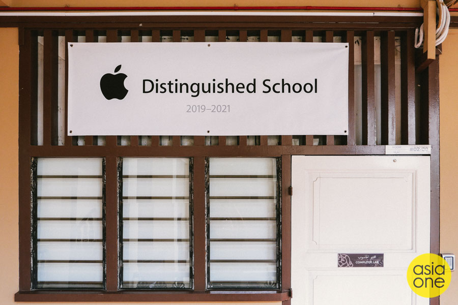 Inside Singapore's Oldest Islamic Religious School, Where They Put Faith In Apple iPads
