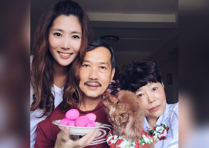 'I Didn't Know How to Face My Parents': Carrie Wong Cries Talking About Texting Scandal With Ian Fang