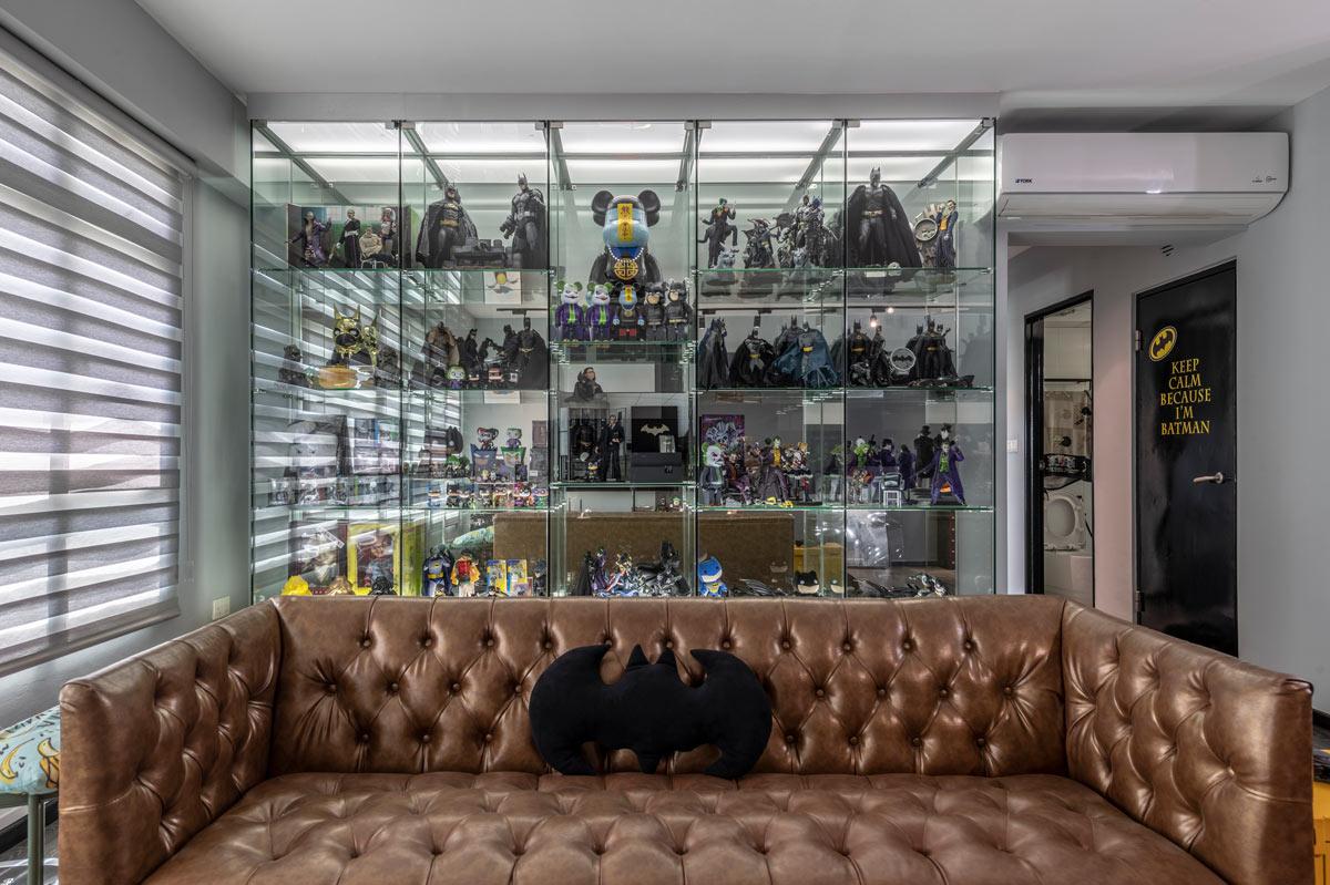 Fabulous Furniture Showdown Leather Sofa Vs Fabric Sofa Lifestyle Forskolin Free Trial Chair Design Images Forskolin Free Trialorg