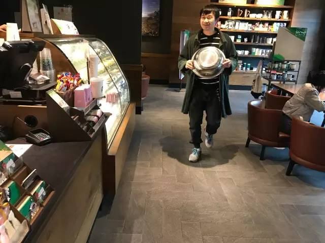 starbucks venti leases Since 1971, starbucks coffee company has been committed to ethically sourcing and roasting the highest quality arabica coffee in the world today, with stores around the globe, the company is the premier roaster and retailer of specialty coffee in the world.
