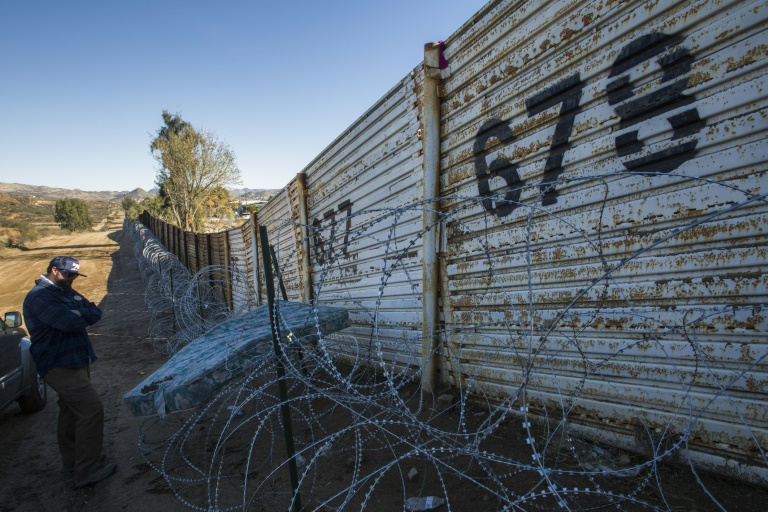 Trump Invites Congressional Leaders to Wednesday Meeting on Border Wall