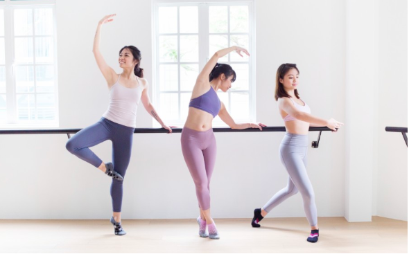 I tried 4 barre classes in a week and picked the best so you