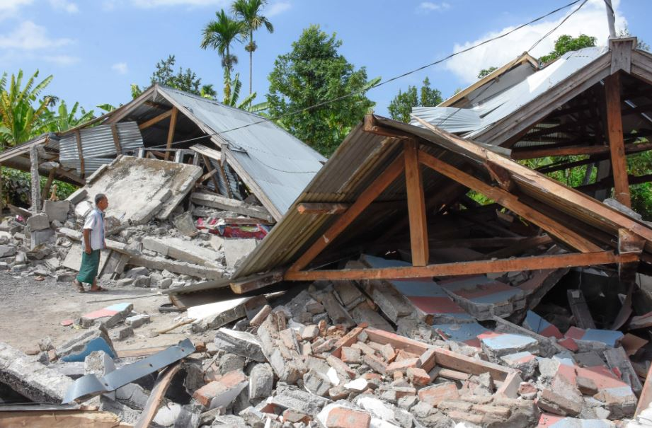 Powerful quake hits Indonesia's Lombok, 12 killed, houses damaged
