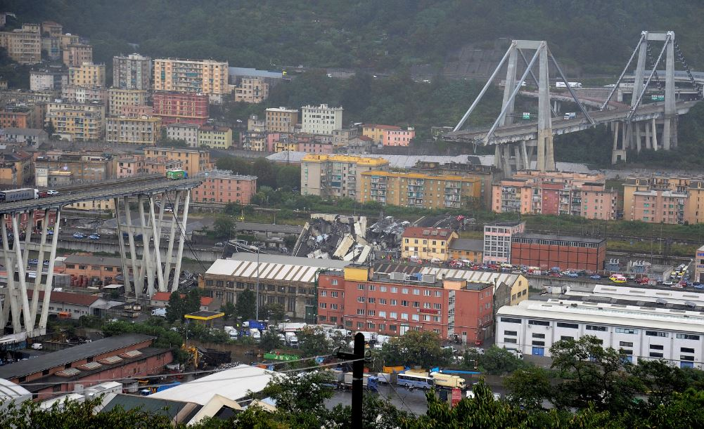 British family 'ran for lives' before Genoa bridge collapse