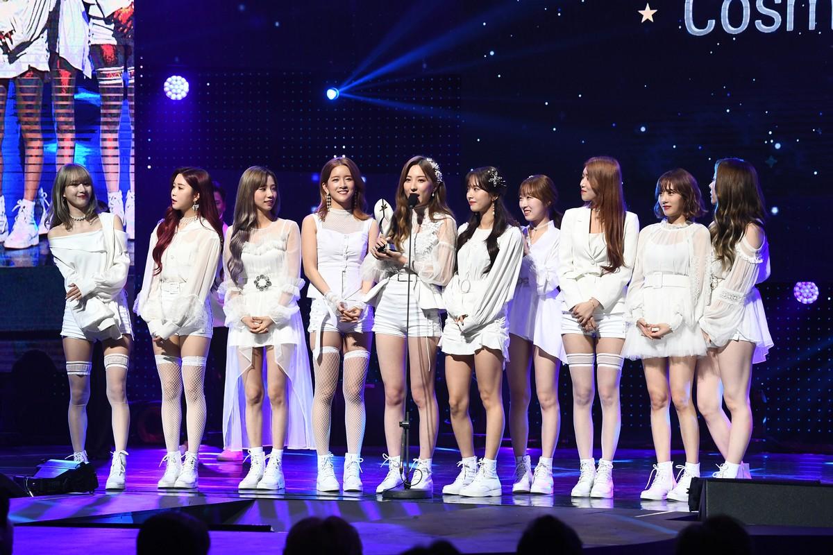 Lee Joon Gi and Qin Lan win top awards at StarHub Night of Stars