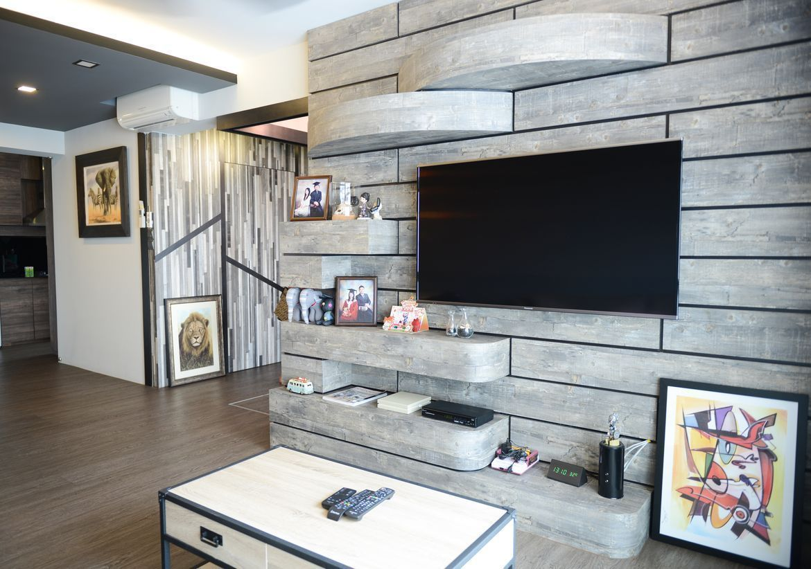 Creating A Rustic Living Room Decor: Medley Of Wood And Metal Create Rustic Ambience In Couple