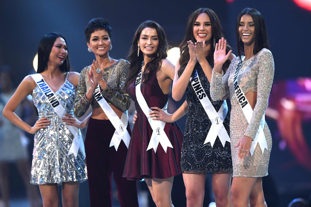 Universe Crown In Ceremonies Staged At The Impact Arena Bangkok Thailand Monday Morning To Becoming Fourth Filipino Woman Win