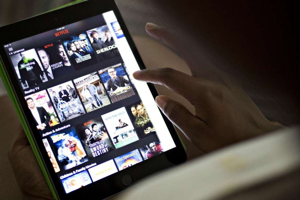 You can now get paid for binge-watching Netflix
