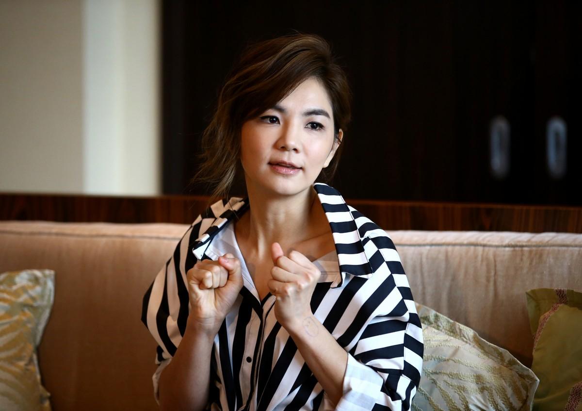 Ella Chen Ella Chen new pics