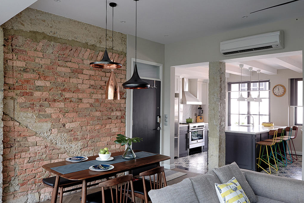 90 000 Renovation Transforms 3 Bedroom Apartment Into New York Style