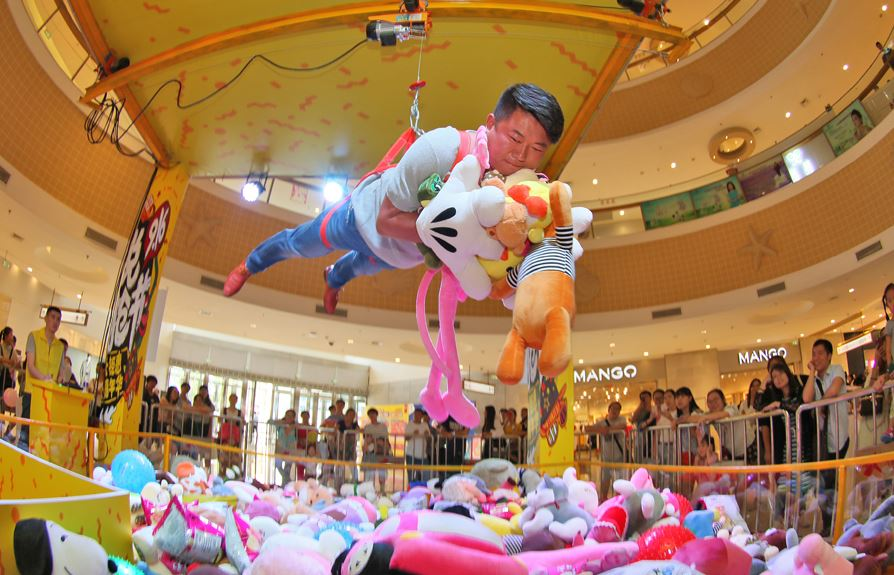 Claw machines a money-grabbing opportunity in China