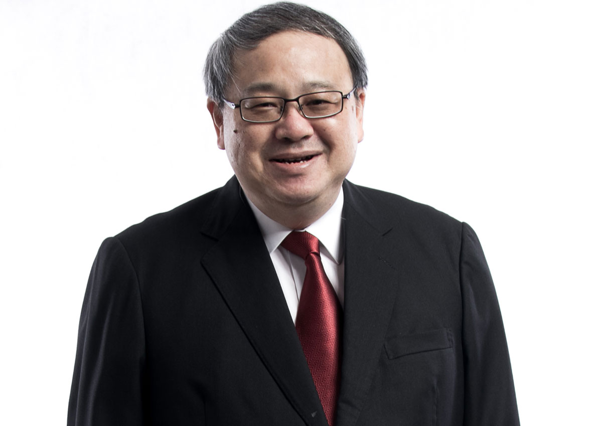 Top Honour For Former Head Of Civil Service Peter Ho