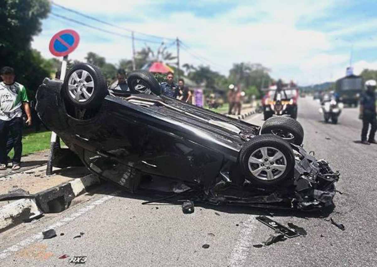 Family Dispute Ends In Three Vehicle Crash In Malaysia Malaysia