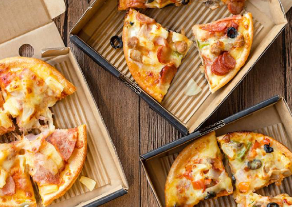 Pizza Hut Open Christmas Day.Pizza Hut Giving Away 3 186 Free Pizzas To Celebrate National Day