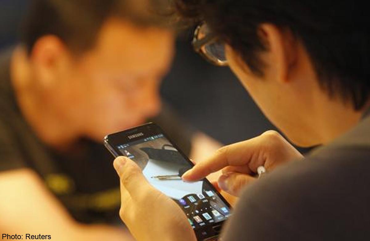 Смотреть видео секса с мобильного телефона, не порнуха просто реальный