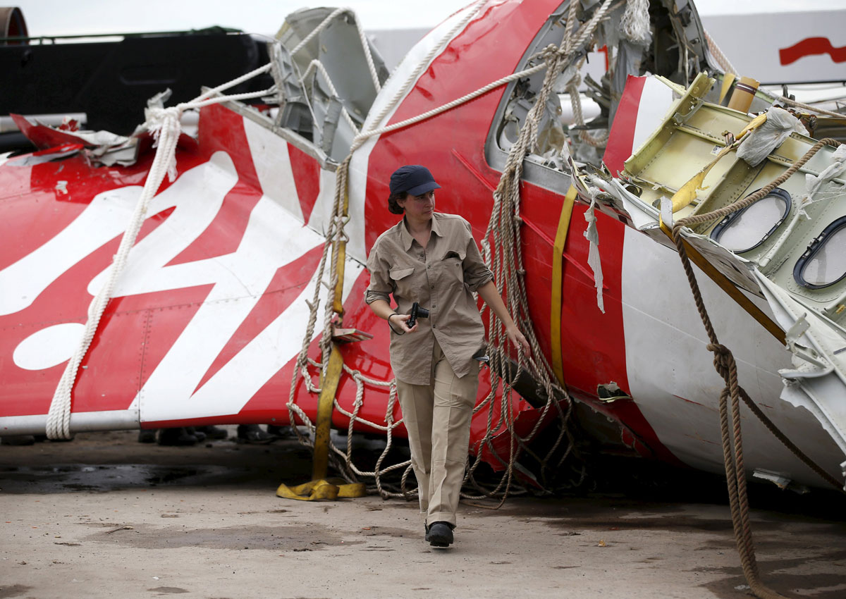 airasia flight 8501 crashes Over two dozen bodies recovered from airasia flight 8501 first airasia flight 8501 crash victim identified more ships arrived friday with sensitive equipment to hunt for the plane's fuselage.