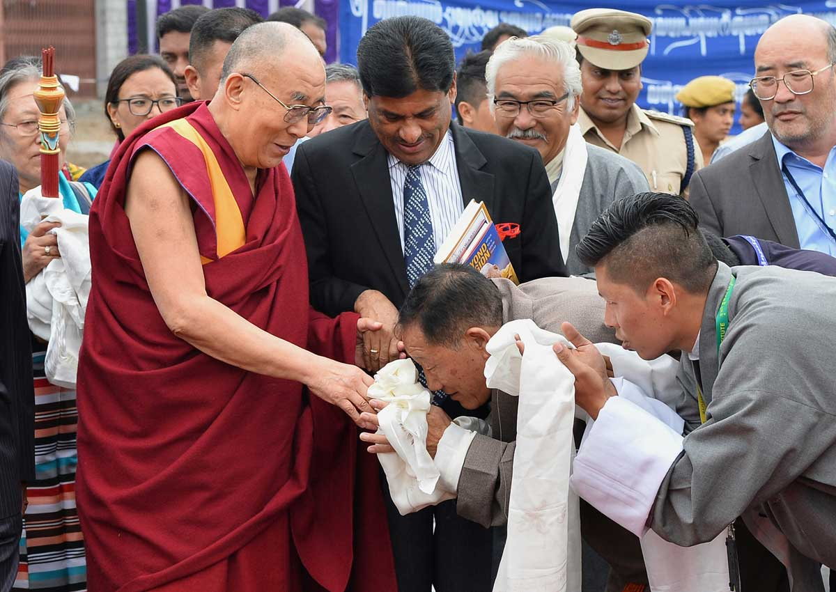 China upset as Dalai Lama meets Indian president, Asia News