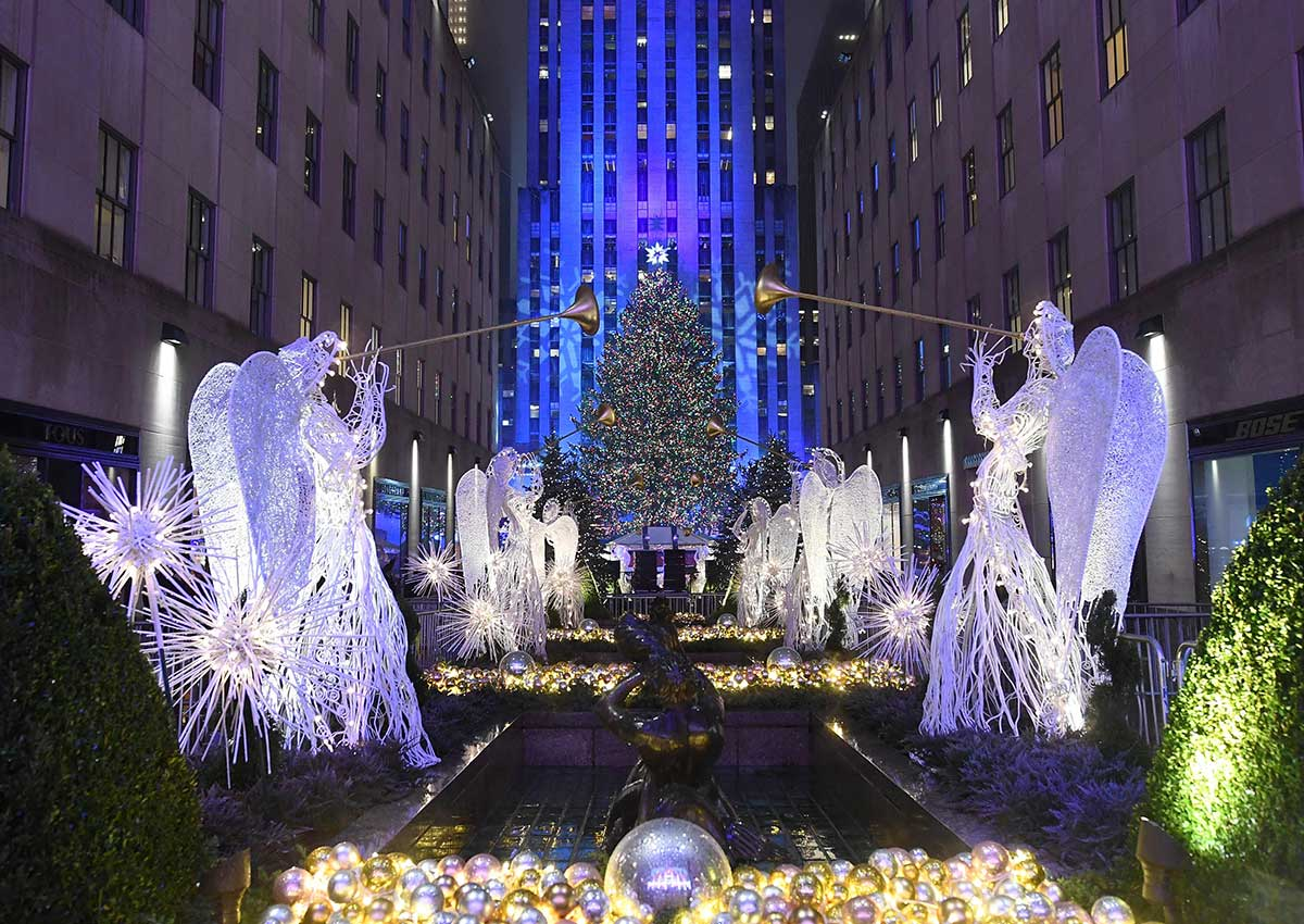Rockefeller Christmas Tree Lights Up New York World News Asiaone