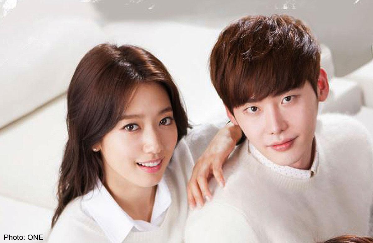 Lee Jong-suk, Park Shin-hye reunite with kiss in 'Pinocchio
