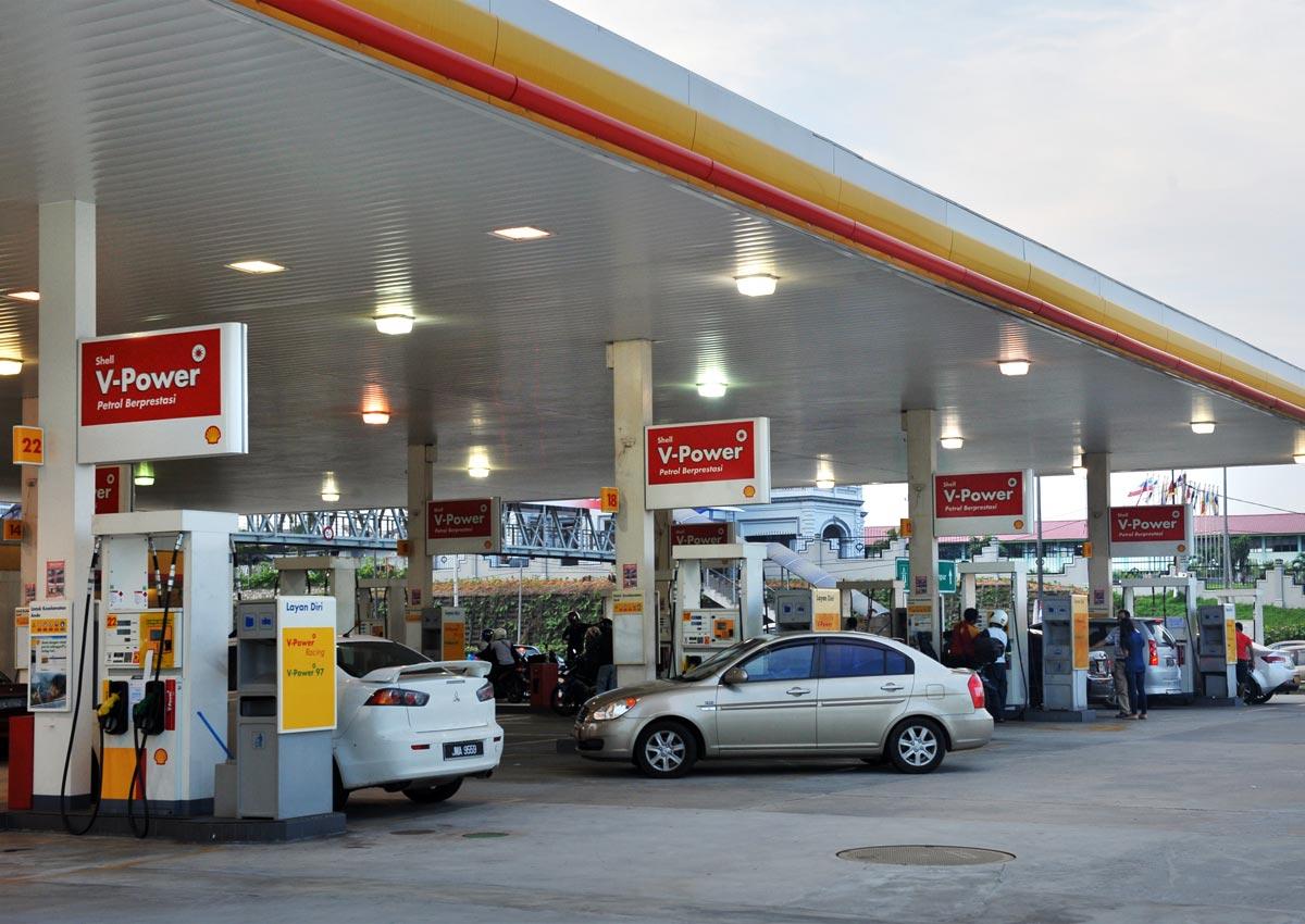 Computer glitch hits 900 Shell petrol stations in Malaysia, Malaysia