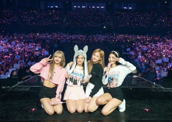 Fans in Thailand hit by Blackpink's irresistible charm