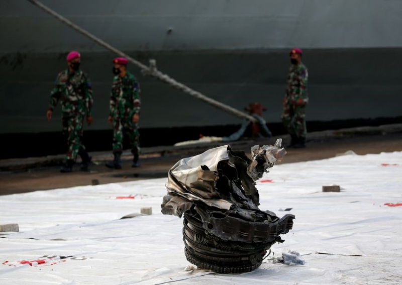 Indonesia Locates Black Boxes of Crashed Sriwijaya Air Jet in Java Sea