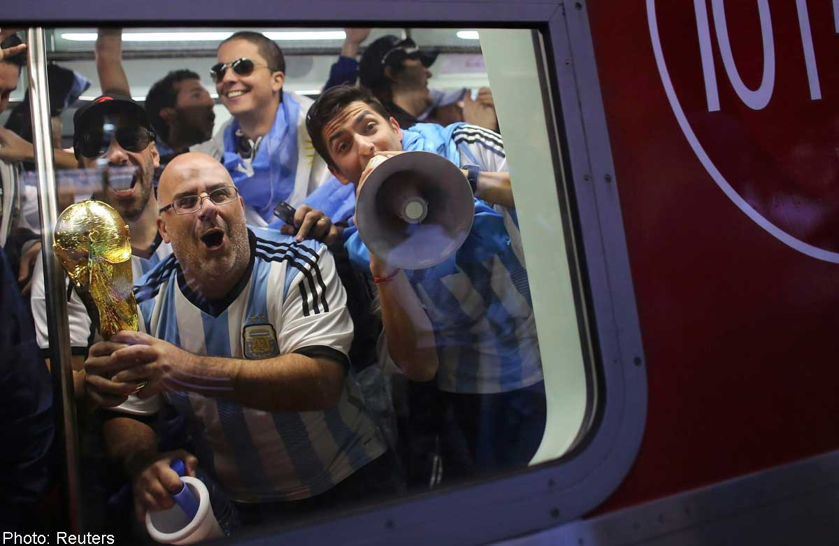 Messi fans make a song and dance, News - AsiaOne