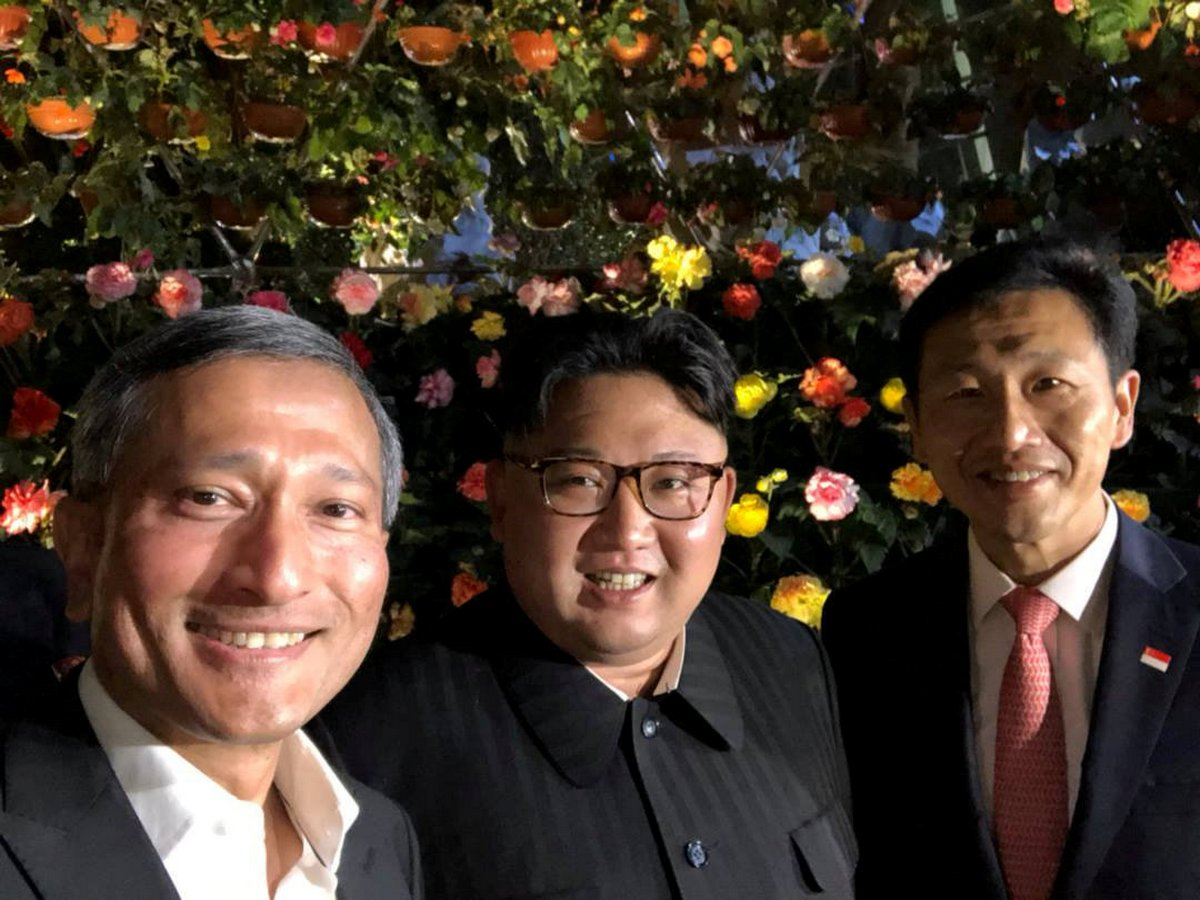 612388732 Singapore stroll and first public selfie for Kim Jong Un ahead of Trump  summit