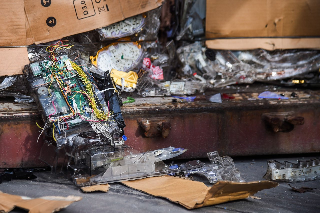 Poisonous electronic waste being processed in secret: Thai