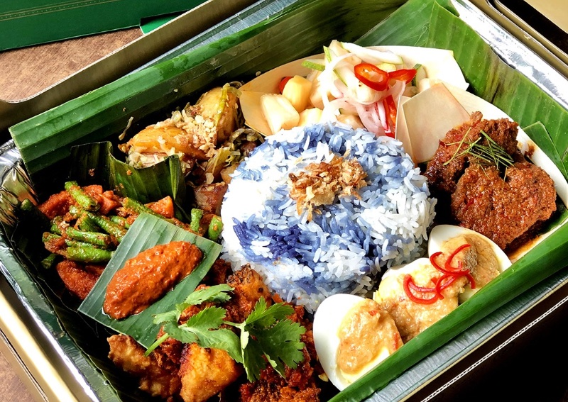 Peranakan eatery Violet Oon apologises for cultural appropriation of nasi  ambeng, a Javanese dish, Singapore News - AsiaOne