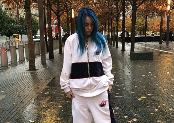 The Heartbreaking Truth Behind Billie Eilish S Baggy Clothes Entertainment News Asiaone