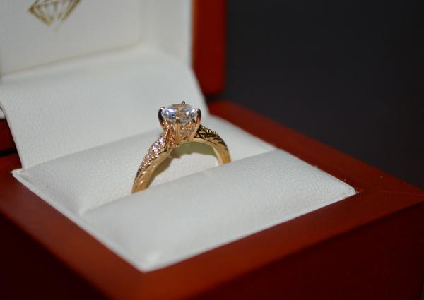 Shanghai Man Posts 1600 Reward For Lost Wedding Ring