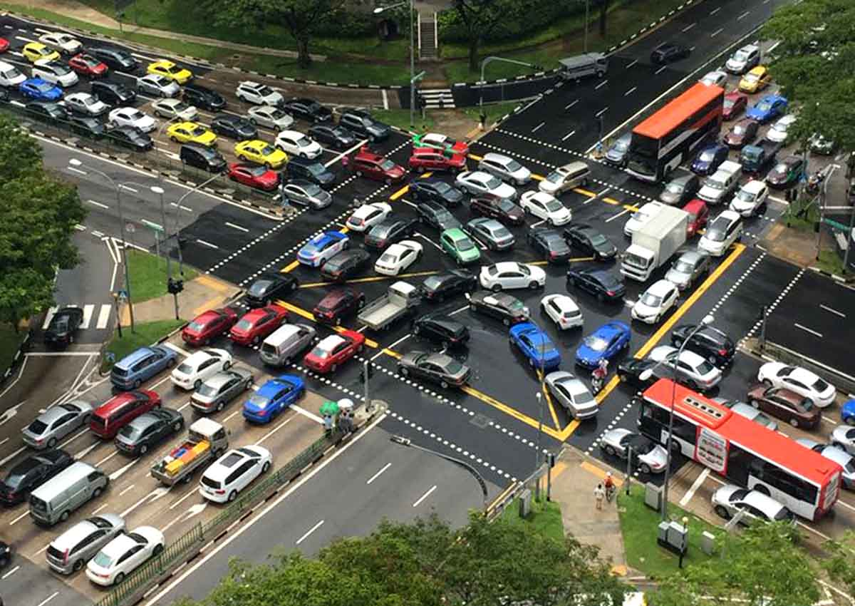 traffic jam caused by many cars on the road Traffic jam in malaysia too many cars the road are not wide enough the numbers of accidents would rise and this would caused more traffic congestion and thus.