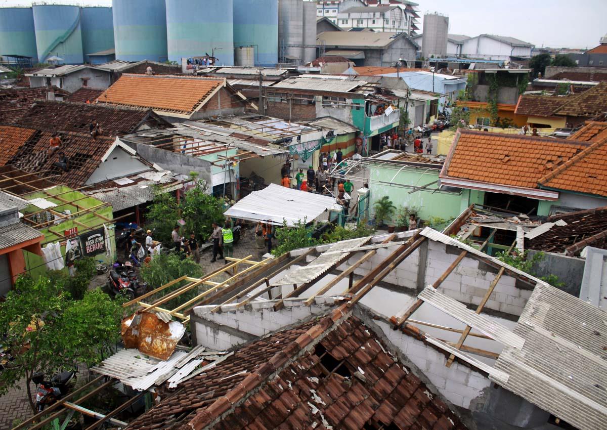 ураган в индонезии 2016 богу