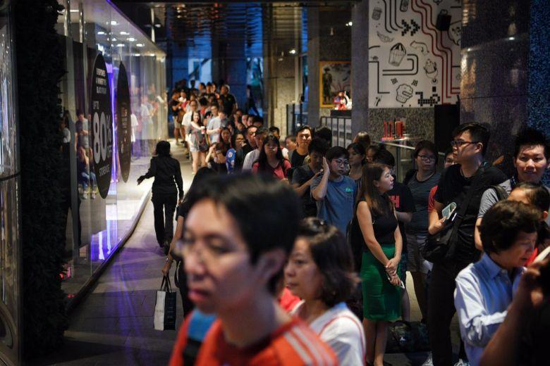 Tips For The Kiasu Singaporean To Survive The Black Friday Sales Lifestyle Singapore News Asiaone