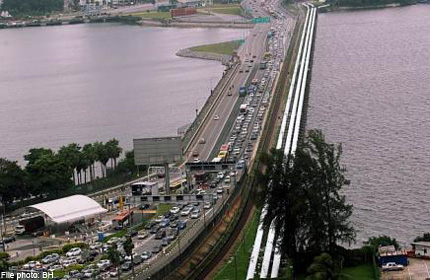 Heavy traffic at Woodlands and Tuas checkpoints expected over coming weekend, Singapore News - AsiaOne