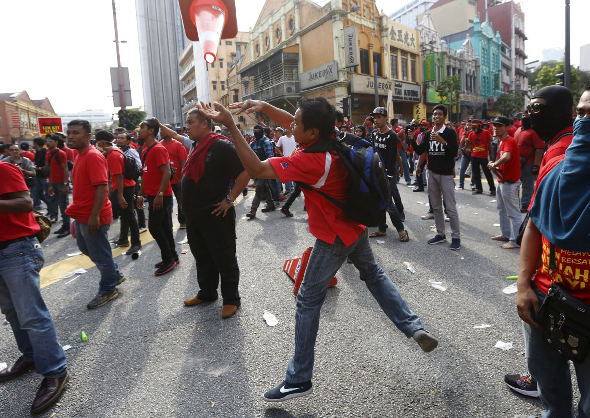 Pro Malay Protesters Could Soon Become Nuisance To Public Cops