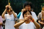 Chinese families mark 100th day of MH370's disappearance - 11