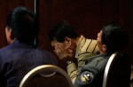 Chinese relatives' anger erupts in Malaysia over lost plane - 60
