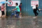 Heavy rain causes flash floods in several parts of S'pore - 0