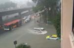Flash flood along Chai Chee Road - 10
