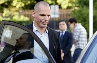 Greek FM resigns in concession to creditors after referendum