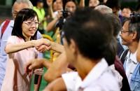 Independent rally: Han Hui Hui draws curious spectators