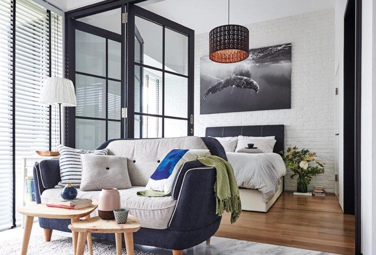 Bachelorette keeps her 2 room condo looking fashionable for Bachelorette apartment